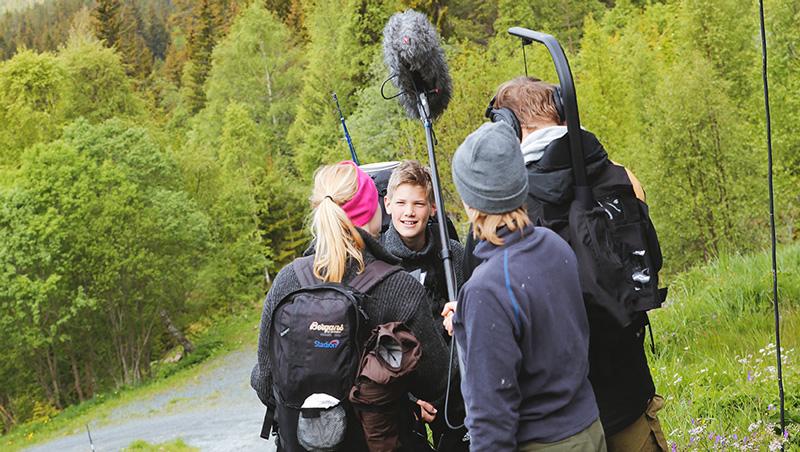 Ute i den flotte norske naturen under opptak av «Camp Survival».