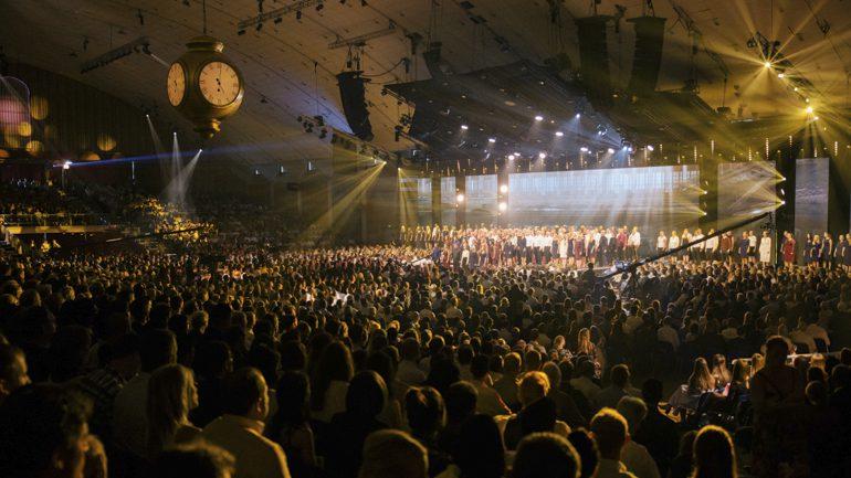 8 300 samlet til fest på Brunstad