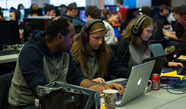 Stor teknologi-interesse på BCCs påskecamp